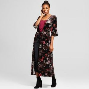 Velvet floral kimono